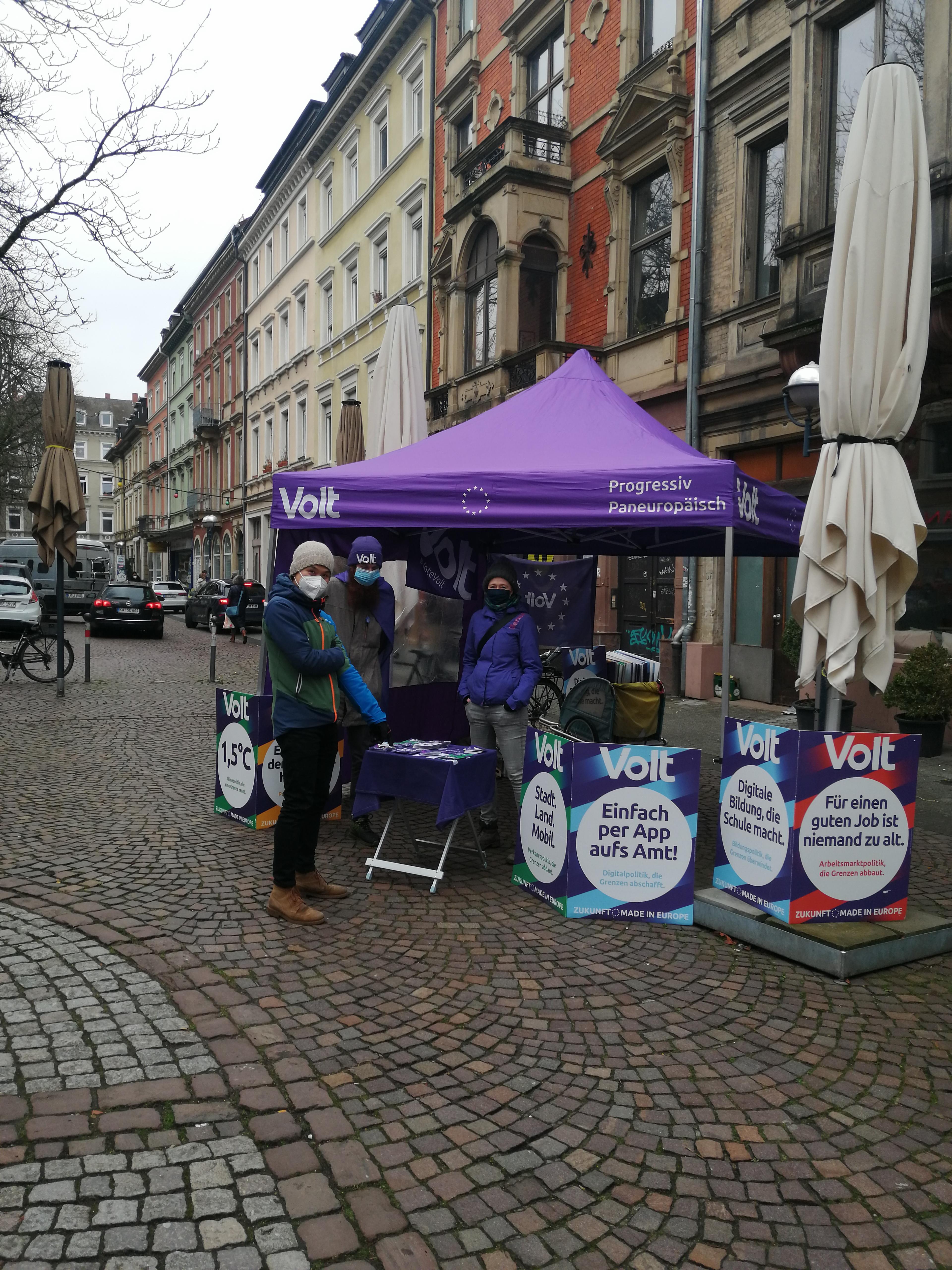 Plakatieren in Karlsruhe 1
