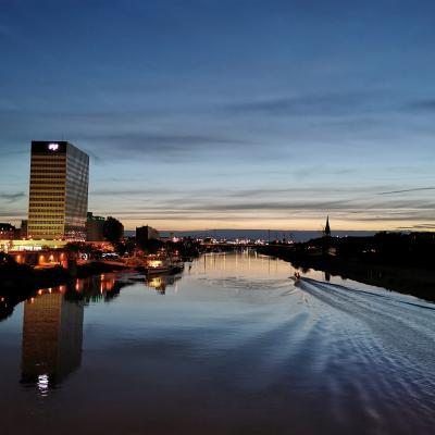 Mannheim und Neckar Skyline - Foto Daniel Glaunsinger